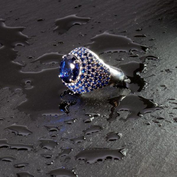 Anello in argento blu
